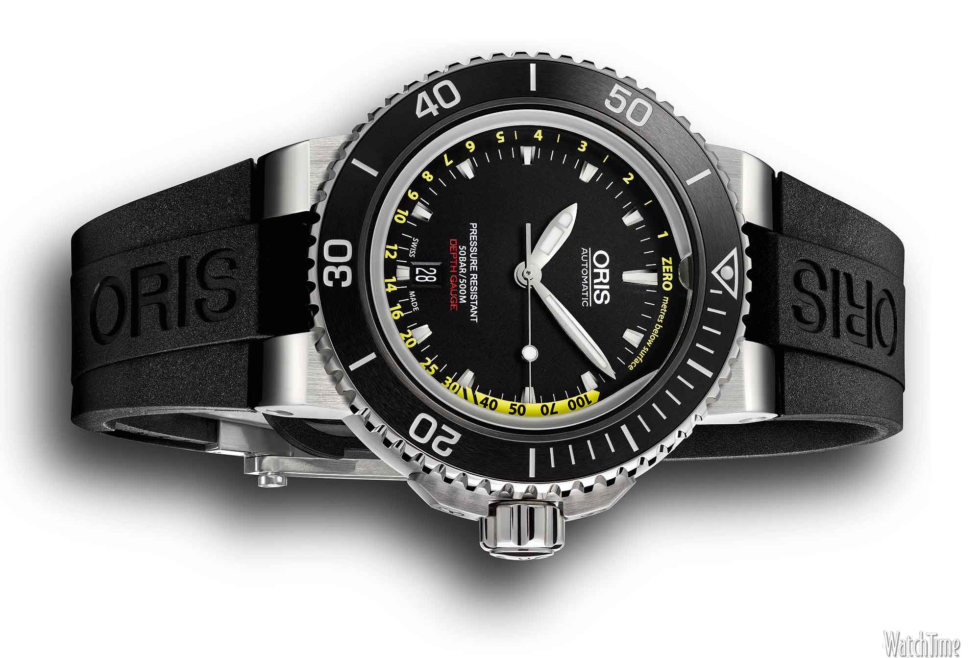 Front of Oris Aquis depth Gauge diving watch