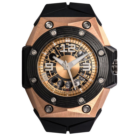 Front of Linde Werdelin Oktopus Moon Gold 3DTP Carbon watch