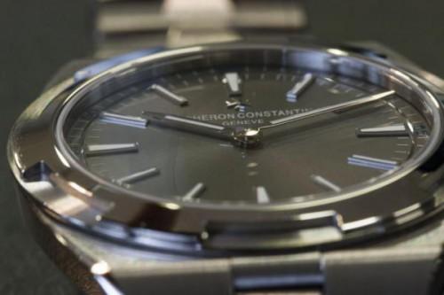 Vacheron Constantin Overseas Ultra-Thin  dial