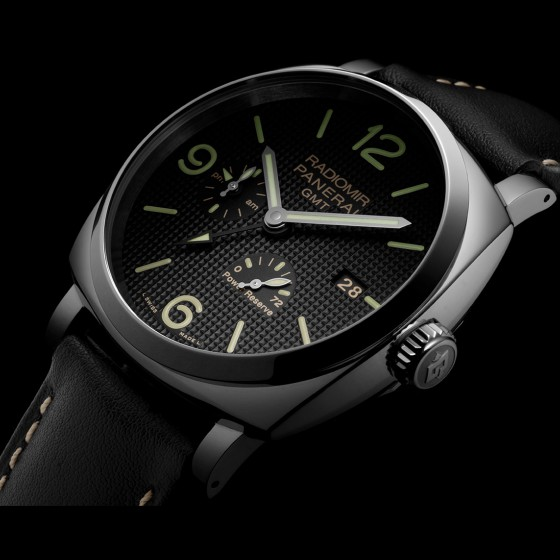 Side of Panerai Radiomir 1940 3 days GMT Automatic Acciaio 02