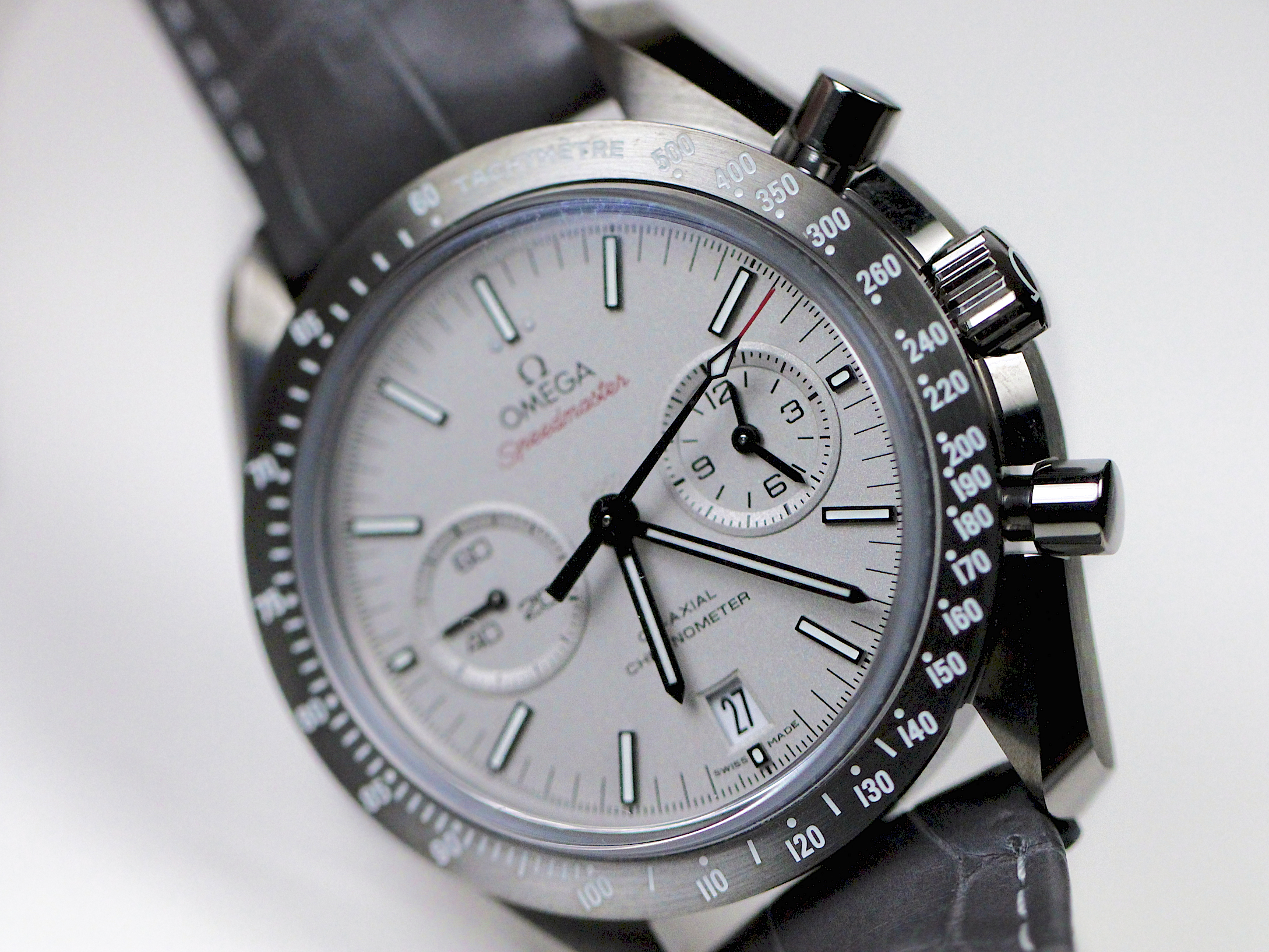 Side of Omega Grey Side of the Moon watch 02